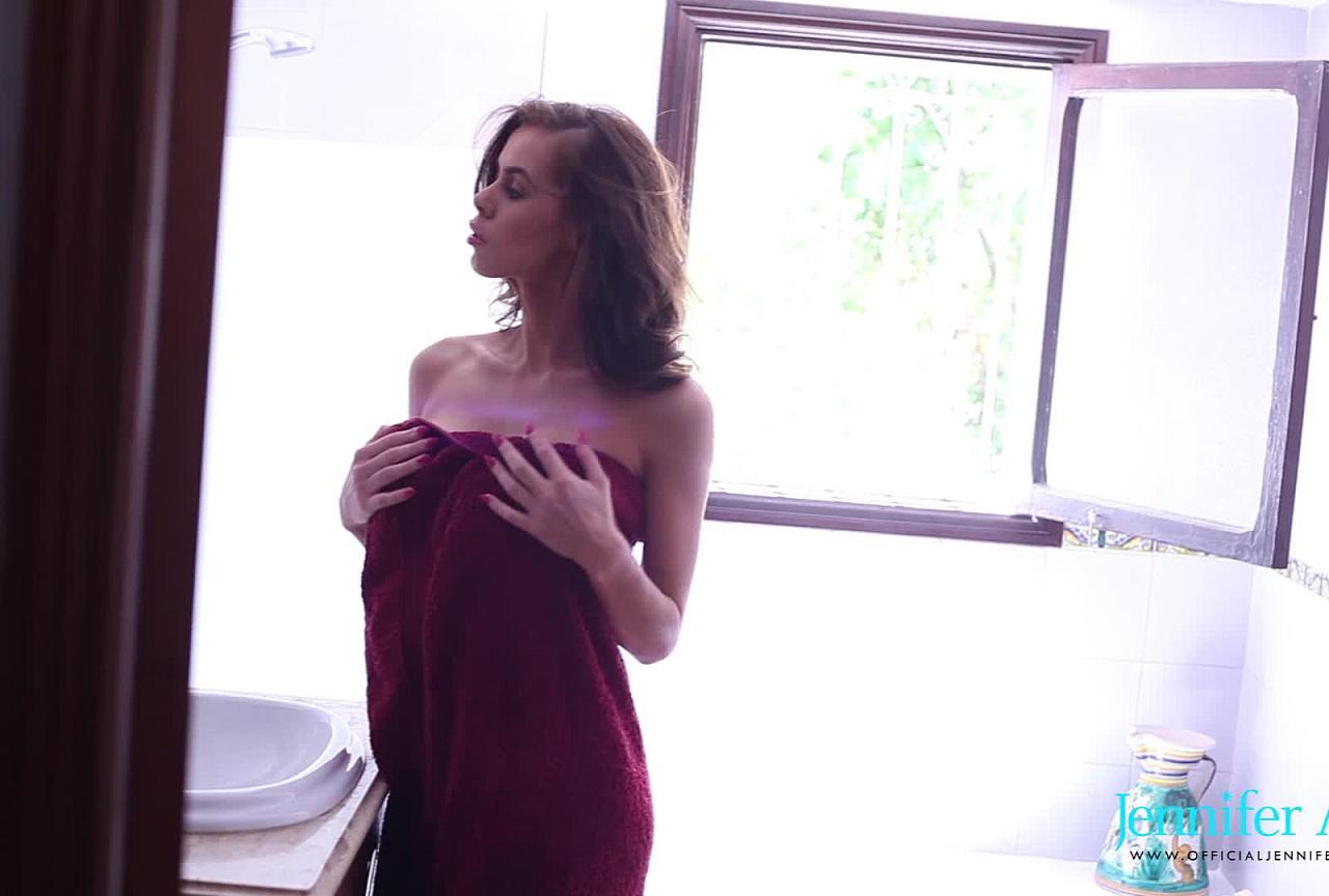 Jennifer teasing in bathroom BTS