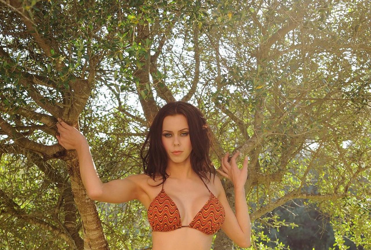 Jennifer Photos - Bikini in the Garden