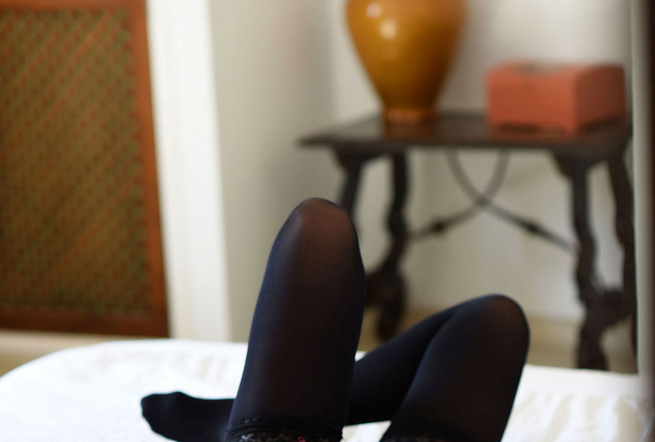Sarah McDonald striping on the bed