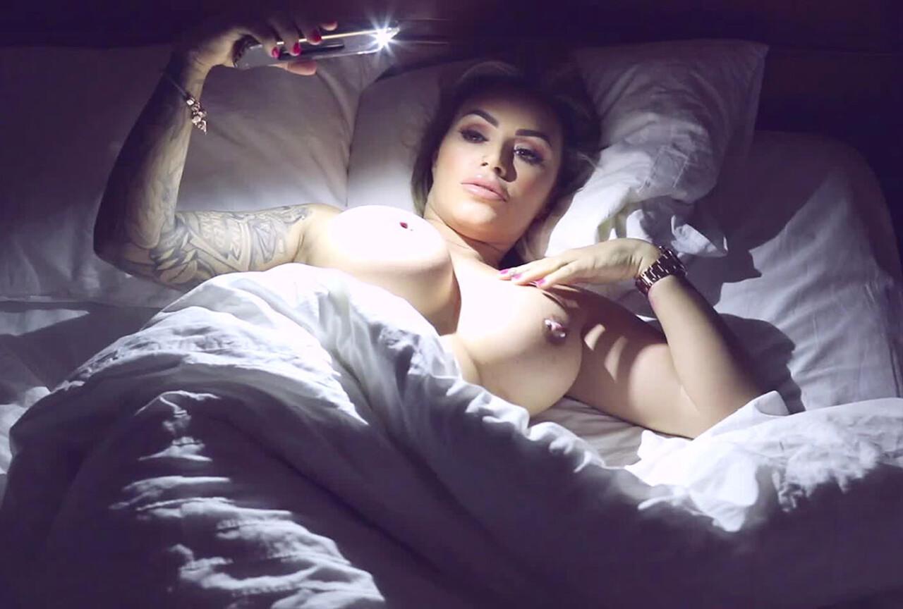 Watch Gemma Getting Naughty Under The Blacket