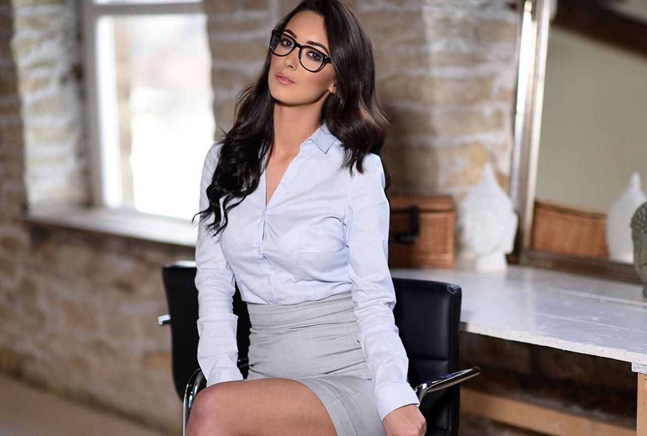 Sexy Secretary Lauren Louise
