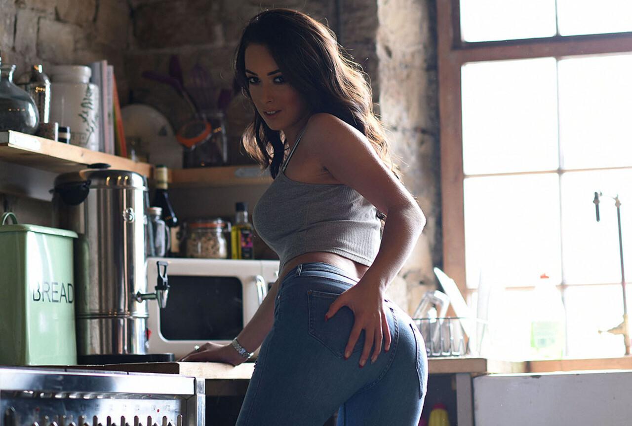 Lauren Teasing in Her Denim Jeans