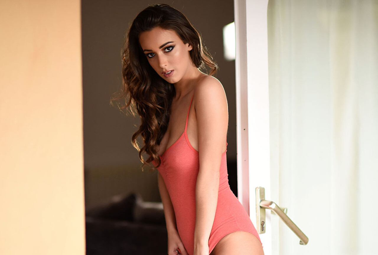 Lauren Strips Naked