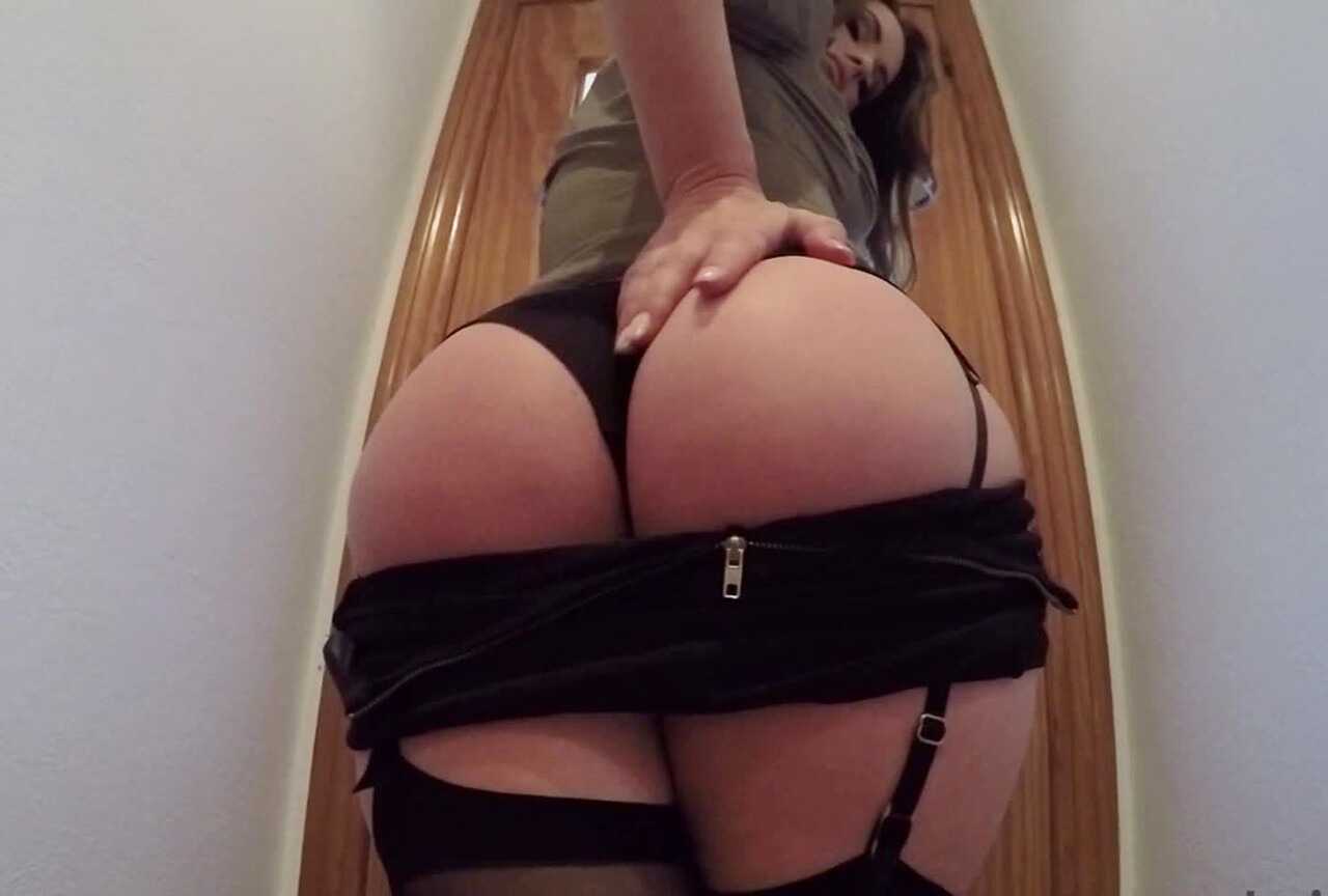 Anastasia Harris in Sexy Black Lingerie & Stockings